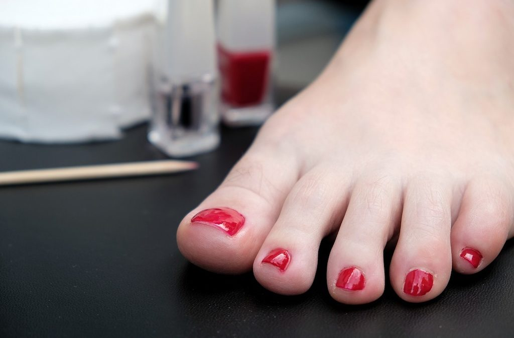 Causes of Nail Fungus and How to Get Rid of It Completely